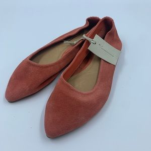 Anthropologie Jessica flats size 6 suede pointed